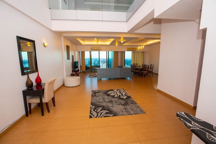 City Centre Penthouse,GYM & Swimming Pool