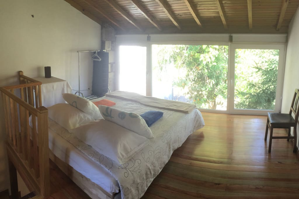 Double bedroom with panoramic view.