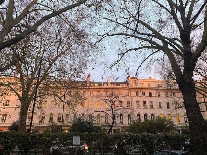 Paddington/Hyde Park Apt.