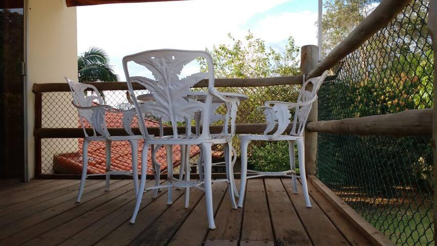 Jaguariúna Quarto Suíte com Varanda e Linda Vista