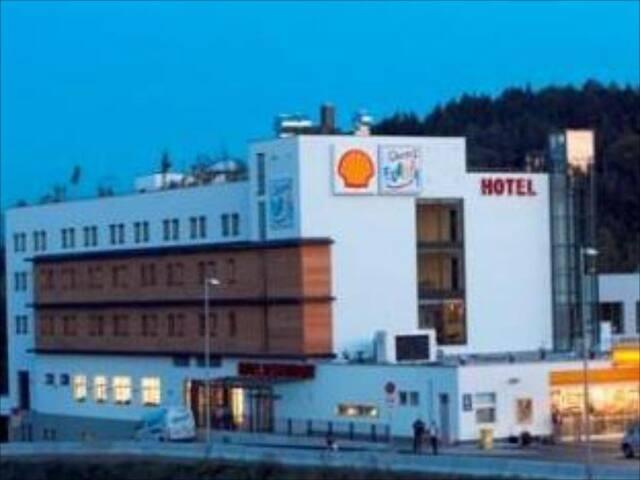 Hotel Servus Europa Salzburg Am Walserberg4