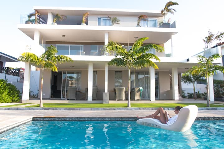 Spacious Private Apartment with Pool 2-4p   #3