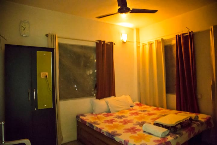 Wifi/TV Studio with Kitchen in Koregaon Park.