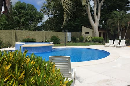 Costa Rican Condo, 2 Rooms for 5 people, pvt bath