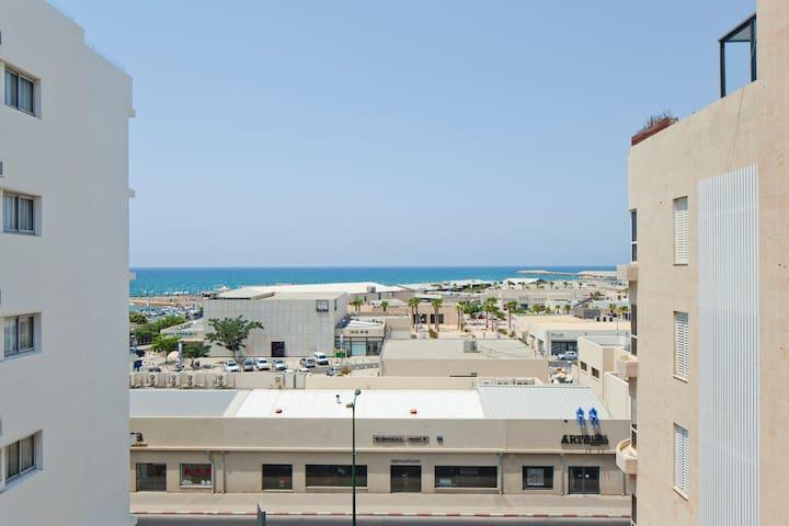 Amazing Beach-Port Duplex, with Parking option!