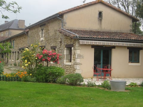 Large wooded cottage near Poitiers