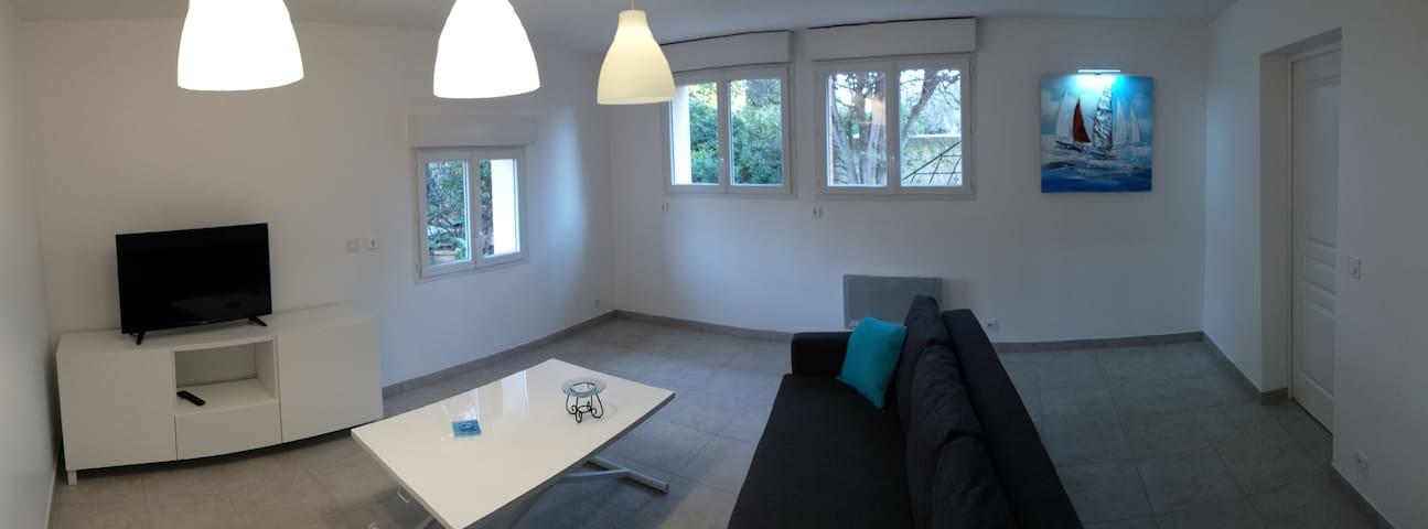 Bas de Villa 55m² charme, confort, calme , piscine - Six-Fours-les-Plages - Appartamento