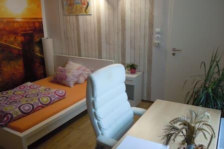 Gemütliche Zimmer Beach mit Küche und Terrasse - Geseke