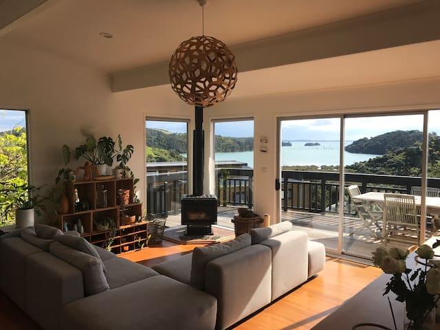 Anzac Bay Sunset Villa, Waiheke Island