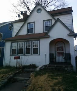 Entire home for temporary rental - Rahway - Ház