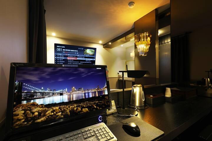 A-VANT HOTEL 65인치 TV / 100%천연 온천수 / 로얄프리미엄침구류