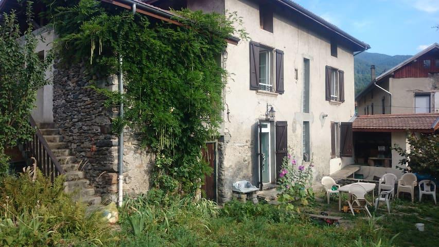 Maison dauphinoise  rénovée - Saint-Pierre-d'Allevard