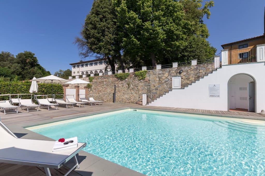 Villa Guinigi is just behind the pool