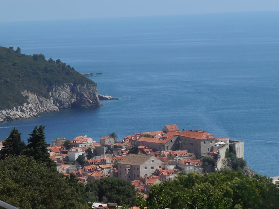 Studio Ravello overlooks Dubrovnik Old Town and Adriatic