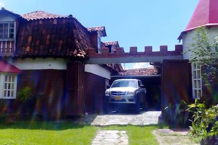 casa finca excelente vista, hambiente natural - Medellín