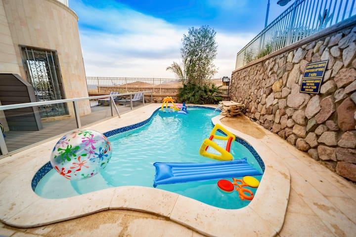 Private pool 3BR Sea view