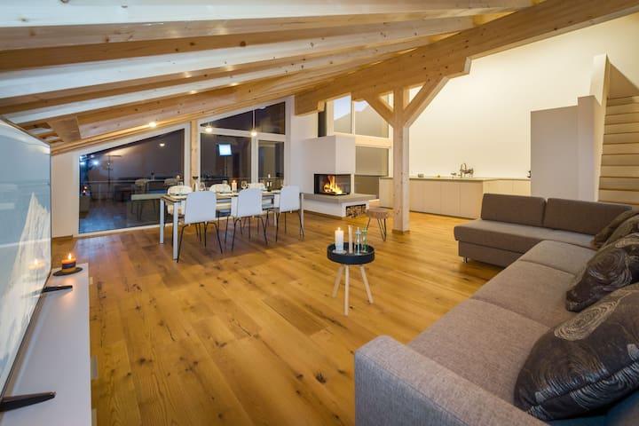 Grosse, zentrale Dachwohnung - Grächen - Wohnung