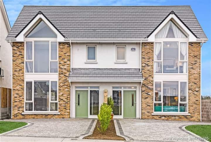 Showhouse by the Sea - Blackrock