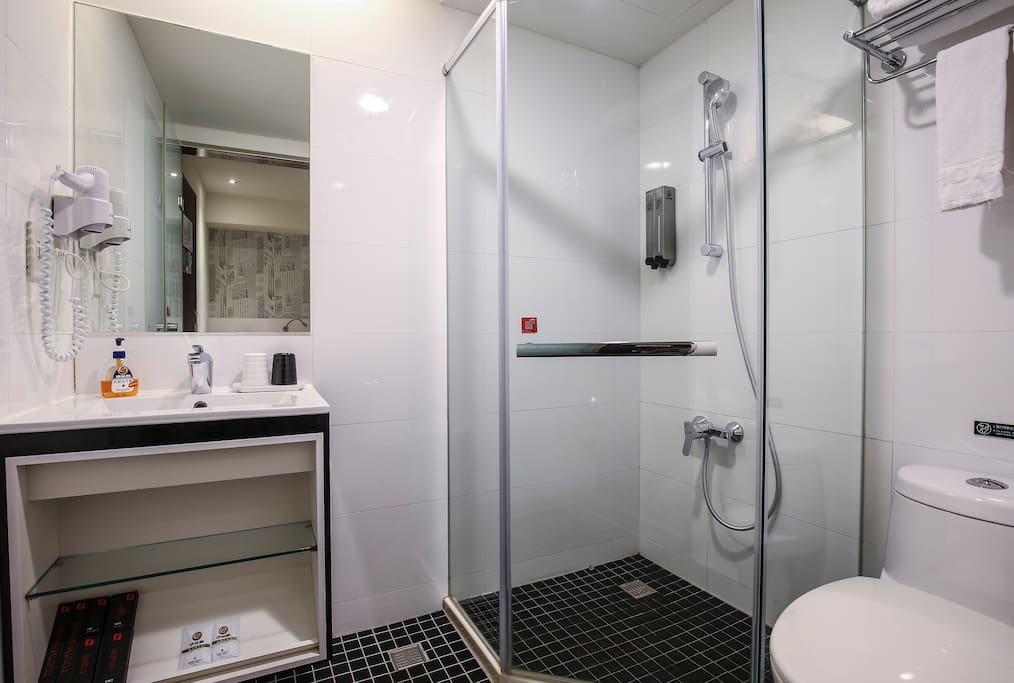 Private Toilet and Shower Room