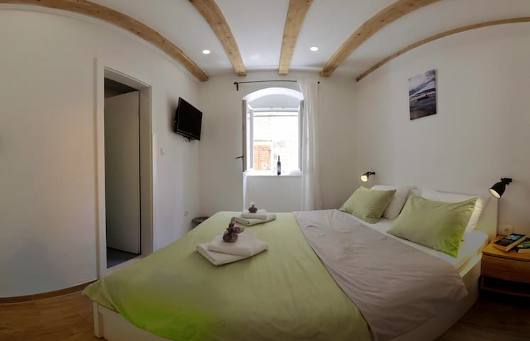 Double room in Komiža