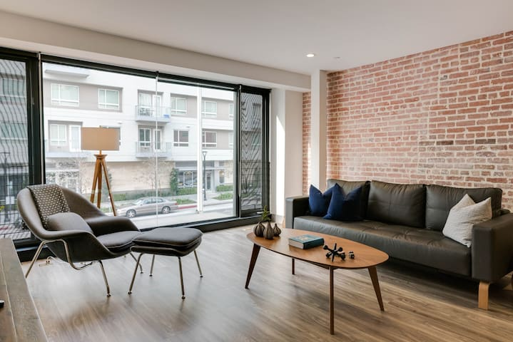 Hip & Urban Loft 1-Bedroom DTLA