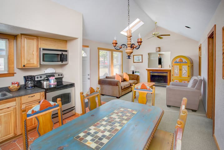 2 Bedroom Suite for 4 in Cannon Beach