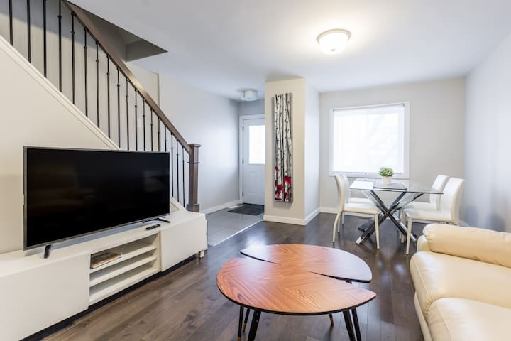 Three Bedroom Home Near Downtown Ottawa