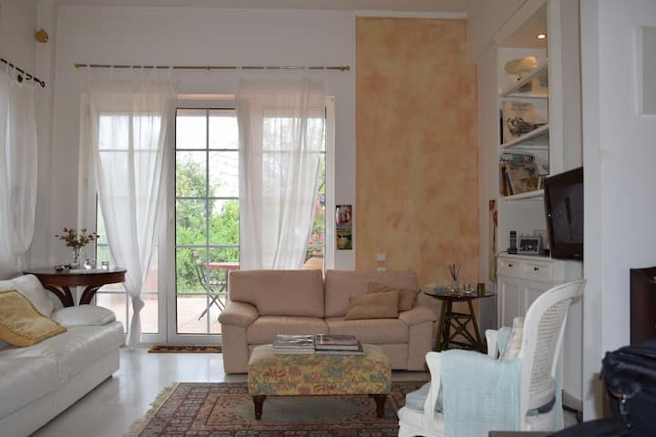 Country living near airport Athens & Port Rafina