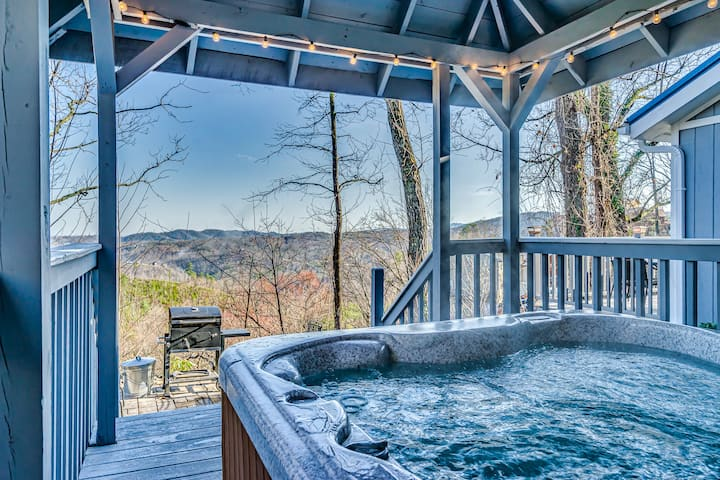 NEW LISTING - Great View! Pet Friendly!