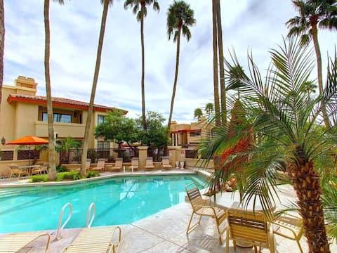 9-Mountain View Resort w/24-7 Heated Pools & Spas!