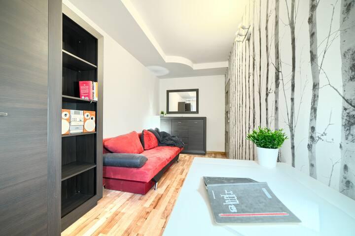 Przytulny pokój 1-2 os z sofą, w spokojnej okolicy