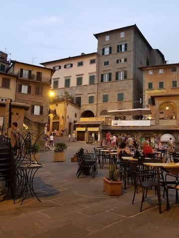An evening in Cortona