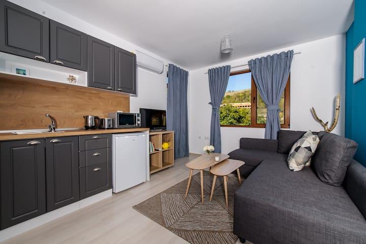 Rebus Apartments (Aqua)-modern design in park area