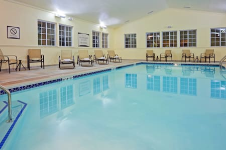 Free Breakfast. Indoor Pool. Studio in a Great Location!