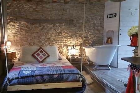 Chambre campagnarde et romantique, spa, piscine
