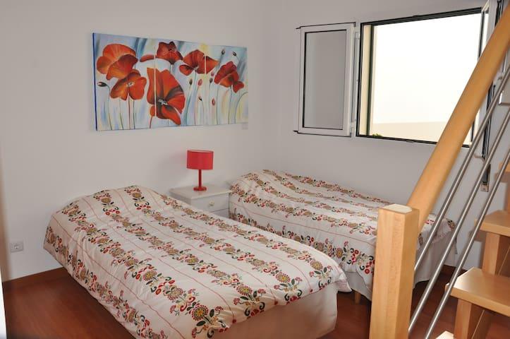 chambre 2 lits + avec mezzanine