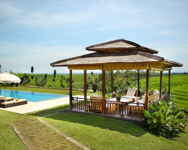 Stunning Ricefield View 5bdrs - Villa Tangunttiti - Tabanan