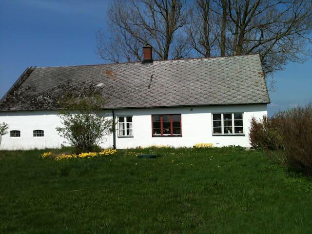 Hus på Österlen - Blästorp - Cabin