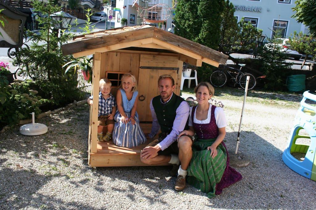 Katharina und Andreas mit Kinder