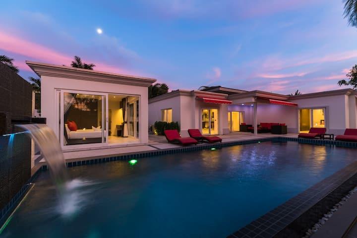 Luxury Pool Villa 54 / 4 BR 8-10 persons