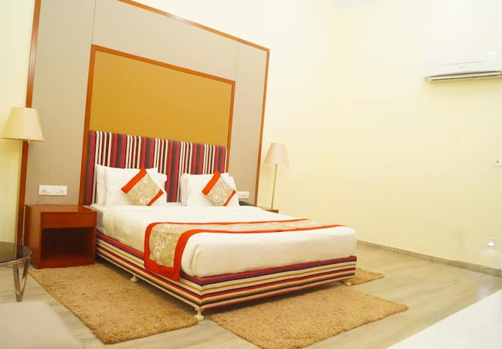 Luxury room with all meals @ Tadoba National park.