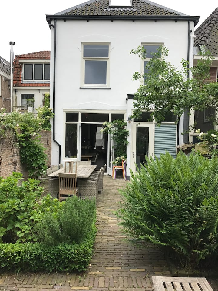 Luxurious Town House, 20min from Amsterdam city