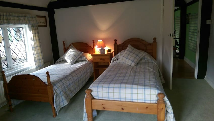 The Cottage - Cozy Beamed Apartment, Ascot/Windsor