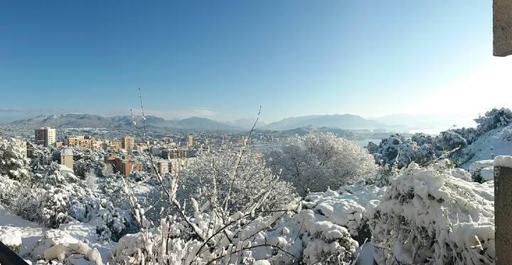 Ajaccio Terrasse vue Mer & Montagne sans vis à vis