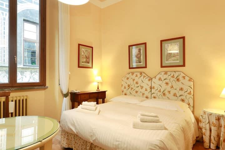 Comfy room by Ponte Vecchio