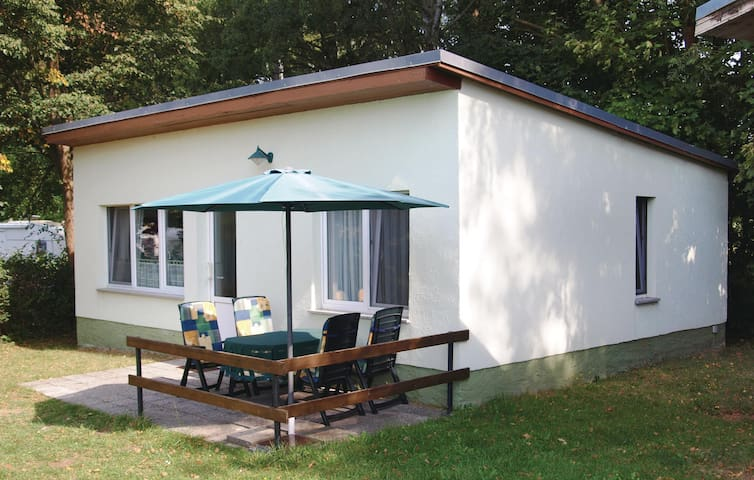 Holiday cottage with 2 bedrooms on 45m² in Brüssow