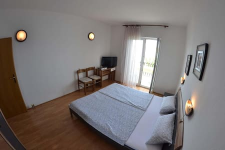 Apartments Matušan / One Bedroom A9 - Rab
