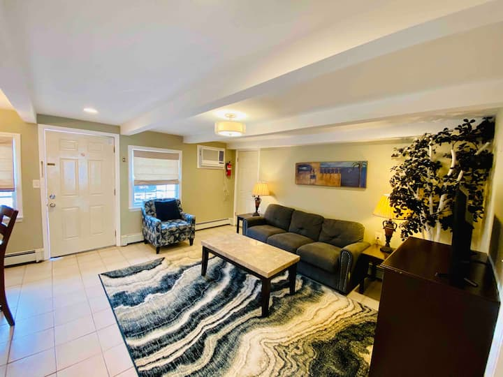 1 BR  Beach Suite Pool, Seaside Heights  -Slps 4