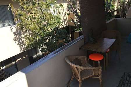 Beautiful private sunny room near Culver City! - Los Angeles - Apartment