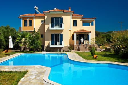 Villa or Studio(s) in tranquility - Lesvos